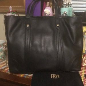 NWT Frye Melissa shopper in black